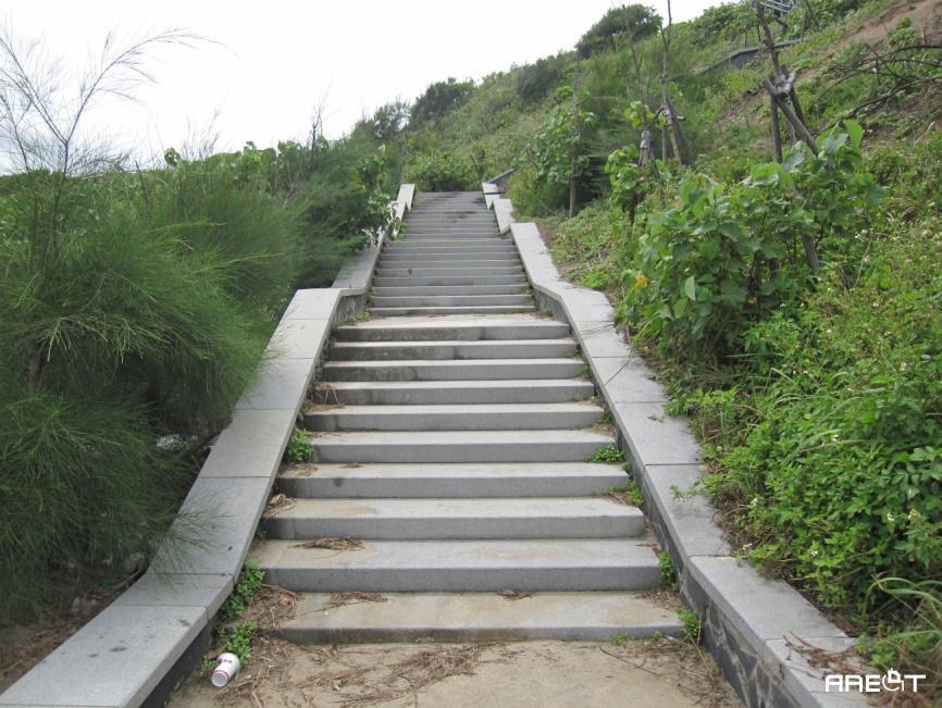 台灣以建築工法思維所設計的登山步道/攝於2012年白沙灣